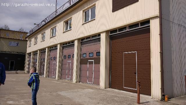 Продается эллинг (гараж для катера) в Сестрорецке (Курортный район) на берегу финского залива.